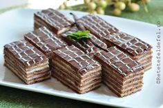 Everything You Need To Know About Cacao - Healthy Food Raw Diets Romanian Desserts, Romanian Food, Cookie Recipes, Dessert Recipes, Cooking Bread, Food Festival, Something Sweet, Food To Make, Sweet Treats
