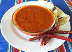 Recetas - SALSA ROJA PARA CARNE ASADA - La primera red social de comida mexicana. May need to bust out the Spanish/English dictionary.
