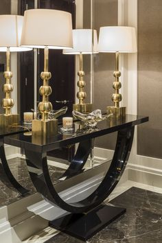 Private apartment belgravia the entrance lobby features a console table and Black Sofa Table, Modern Sofa Table, Modern Console Tables, Black Table Lamps, Sofa Tables, Narrow Entryway Table, Entryway Ideas, Extra Long Console Table, Consoles