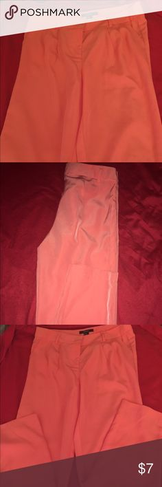 F21 Coral ankle length pants size Medium Coral ankle length pants with side pockets. Pants have a zipper and hook closure. Worn once Forever 21 Pants Ankle & Cropped