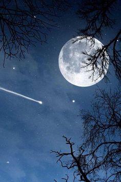 Shooting star & Full moon