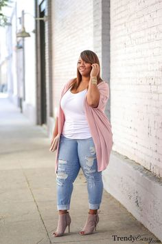 Spring and trendy looks plus size women should rock Boho Plus Size, Trendy Plus Size Fashion, Looks Plus Size, Womens Fashion Casual Summer, Womens Fashion For Work, Plus Size Women, Fashion Women, Plus Size Fashion For Women Summer, Plus Size Tips