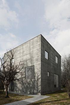 TEŻ . the concrete cube house . Kozieglowy (1)