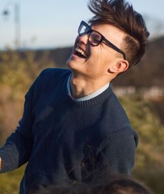 "93 aprecieri, 1 comentarii - Carlos Profire (@profirecarlos) pe Instagram: ""BE HAPPY! 🔴Credits: @iuanavasiliu #happy #laugh #laughing"" Wayfarer, Ray Bans, Mens Sunglasses, Elegant, Laughing, Blogging, Instagram, Happy, Style"