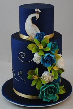 Peacock Wedding Cake using flowers for the tail (by 21 Cake Lane)