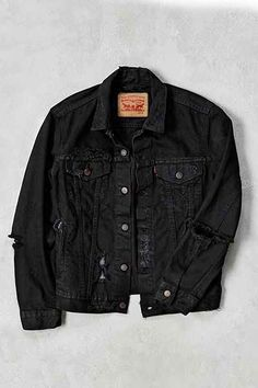 Levis Custom Destroyed Denim Trucker Jacket - Urban Outfitters