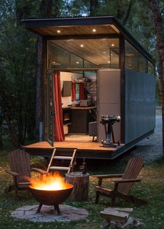 roadhaus: A tiny house ranging in size from either 160 or 240 square feet. Built by Wheelhaus. Views of the outiside, from the inside are abundant in the new Roadhaus tiny house. Tiny House Swoon, Modern Tiny House, Tiny House Cabin, Tiny House Living, Tiny Cabins, Prefab Tiny Houses, Small Modern Cabin, Tiny House Village, Living Room