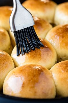 Rapid Rise Skillet Yeast Rolls will have homemade dinner rolls on your table in under 1 hour with absolutely not stand mixer required! Best Yeast Rolls, Quick Yeast Rolls, Homemade Yeast Rolls, Homemade Dinner Rolls, Other Recipes, My Recipes, Cooking Recipes, Bread Recipes, Cake Recipes