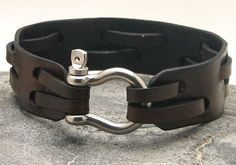 Items similar to Fathers day Men's leather bracelet Brown leather cuff men's bracelet with silver plated shoehorse clasp.Gift for dad. on Etsy Leather Cuffs, Leather Men, Brown Leather, Natural Leather, Natural Red, Leather Accessories, Leather Jewelry, Look Man, La Mode Masculine