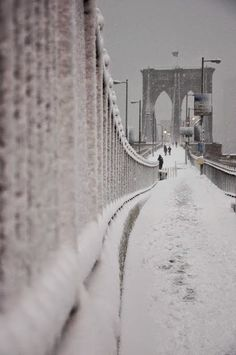 Snow on the Brooklyn Bridge, NYC