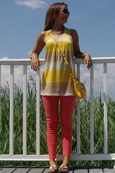 Spring/Summer Outfit: Sleeveless Tunic/Blouse + Coral Skinnies