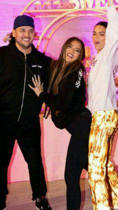 Kardashian Family, Kardashian Jenner, Kendall Jenner, Siblings, Burberry, Style, Fashion, Celebs, Swag