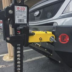 Here is the other @jeepsneeds SAM adapter. It allows you to mount directly to the rated recovery point of your bumper. It's a much lighter solution and costs a little less as well.