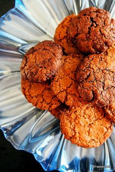 Ruokalaji jossa on kookosöljy ja leivinjauhe. Muffin, Cookies, Breakfast, Desserts, Food, Crack Crackers, Muffins, Postres, Biscuits