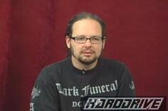 My man, JD! So hot!! Funeral, Jonathan Davis, Korn, Great Bands, Crushes, Death, Singer, Guys, Life