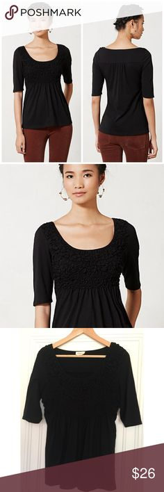 """Anthropologie Deletta Darby Peplum Top Size M. Color: Black. When it comes to basics, we can't get enough of easy, thoughtful pieces that go beyond the call of casual duty. As effortless as a tee, Deletta's smocked peplum top is the perfect way to upgrade your skinnies. By Deletta Pullover styling Cotton, polyester Hand wash Regular: 25.25""""L Petite: 23.5""""L Imported Style No. 29340403. In excellent condition; no flaws. Anthropologie Tops Tees - Long Sleeve"""