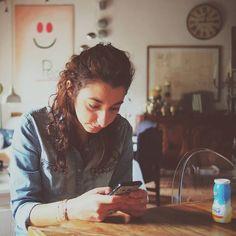 Buongiorno! Stamattina mi sono resa conto che sono su @instagram da un bel po' di tempo: non appena uscì la versione per #android corsi a comprare un #cellullare che supportasse questa nuova promettentissima #app. In realtà però non mi sono mai presentata come si deve. Cercherò di farlo ora sebbene mi senta impedita con le presentazioni.  Mi chiamo Giulia e un giorno sarò un #ingegnere. Nel frattempo mi diletto con attività come la #fotografia la #lettura il #disegno (solo #zentangle e…