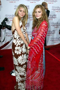 I love Twins Olsen, i grew up with them and admired her talent and her fashion trends!