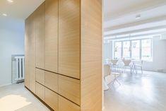 valoa-ja-puuta-tilanjakaja Wooden Partition Design, Partition Ideas, Wooden Partitions, Living Room Kitchen Partition, Layout, Furniture, Home Decor, Decoration Home, Page Layout
