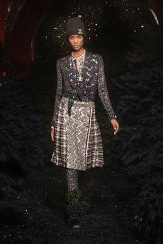 Fall 2021 Fashion Trend: Patchwork [PHOTOS] – WWD Fashion Week Paris, Live Fashion, Runway Fashion, Fashion News, Fashion Beauty, Fashion Show, Fashion Trends, Womens Fashion, Boutique Haute Couture