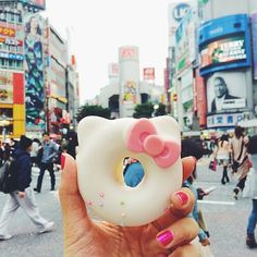 Hello Kitty Donut at the Shibuya crossing in Tokyo, Japan - all the cute food in Japan is amazing!