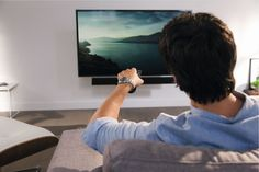 When the TV is switched off, it and the MotionSoundMount return just as smoothly back to the wall. Even mounting and installing the MotionSoundMount is very easy.