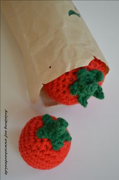 Kaufladen, kleine Tomate. Gratis Häkelanleitung von www.schautmal.de. Free crochet pattern!