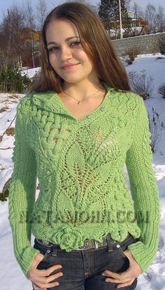 Интересный свитерок спицами с миксом узоров