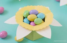 15 Paper Easter Baskets to make, all with links to FREE CUT FILES (Silhouette & SVG) and some with pdf templates to cut by hand. Plus MORE Easter paper goodies. ~Whatchaworkinon.com