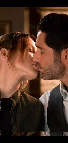 Series Movies, Tv Series, Romantic Movie Quotes, Chloe Decker, Tom Ellis Lucifer, Dark Fairytale, Lauren German, Men Kissing, Falling In Love Again