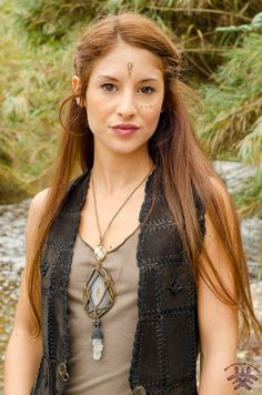 Shamanic Necklace Therapeutic Goddess, Unique Piece handmade macrame with meditation and natural stones, especially to heal.