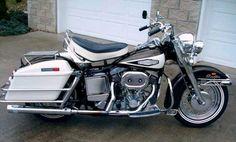 FL 1200 Electra Glide, 1970 Electra glide and blue, the best bike movie. Harley Davidson Custom Bike, Vintage Harley Davidson, Harley Davidson News, Harley Davidson Motorcycles, Amf Harley, Harley Bobber, Hd Vintage, Cycle Ride, Electra Glide
