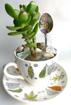 Art Food AND Motherhood: The Next Craft Cafe - Vintage Tea Cup Gardens - November 11th