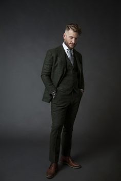"""Green donegal dandy suit 'We are not your father's tailor"""" #bespoke #suits #men #weddingsuit #menswear #tailoring #maatpak"""
