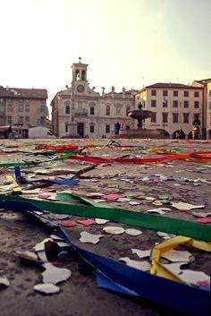 Piazza Matteotti coriandoli