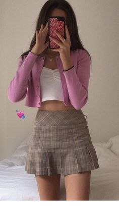 Miniskirt and pink cardigan Minirock und rosa Strickjacke Cute Casual Outfits, Girly Outfits, Mode Outfits, Mean Girls Outfits, Mean Girls Costume, Date Outfit Casual, Hipster Outfits, Teenager Outfits, Summer Outfits Women