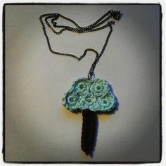 Crochet tree necklace http://epicyarning.blogspot.nl/
