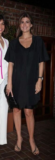 Juliana Awada Casual Chic, Traje Casual, Model Look, Lbd, Fashion Outfits, Womens Fashion, Casual Looks, New Look, Going Out