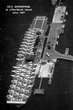 American Aircraft Carriers, Us Navy Ships, Flight Deck, Battleship, Ww2, Boats, Aviation, Military, World