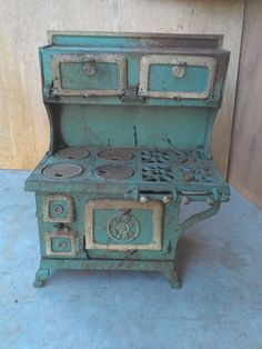 Antique Dollhouse Furniture Cast Iron Stove with Accessories | eBay