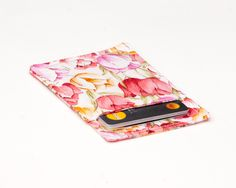 New to Chockrosa on Etsy: Tulip thin wallet Floral Minimalist wallet Business card holder Business card case - Slim card wallet - Gift card case - Womens Mens