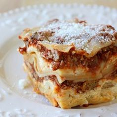 Easy Crockpot Lasagna - was totally wary of making this, but it was super easy AND delicious!