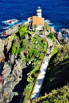 Travel Around The World, Places Around The World, Around The Worlds, Wonderful Places, Beautiful Places, Asturias Spain, Lighthouse Photos, Jesus Painting, Great Buildings And Structures