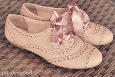 Oxford shoes with ribbon