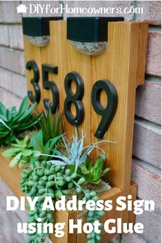 DIY Modern Address Sign with Planter - Improve your home's curb appeal with this DIY address sign. Fill the rustic planter with faux or real succulents or flowers. Dusk to dawn solar lights helps improve sign visibility at night. Rustic Planters, Diy Planters, Succulent Planters, Diy Signs, Home Signs, Solar House Numbers, Number Signs For House, Home Number, House Address Sign