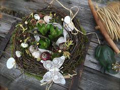 Hyazinthennest in Frühlingslaune - Tischkranz von FRIJDA im Garten - Aus einer Idee wurde Leidenschaft auf DaWanda.com