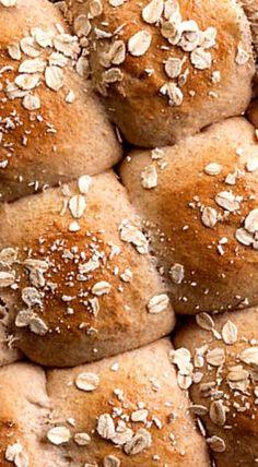 Honey–Whole Wheat Dinner Rolls ❊