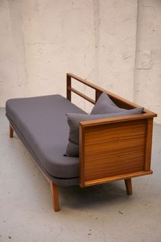 41+ Inexpensive Mid Century Apartment Furniture Ideas #furnituredesign #furnituremakeover #furniturediy