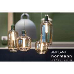 Serie Amp hanglampen small en large in groen en zwart marmer