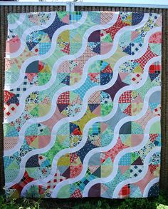 Picture of a 'drunkard's path quilt'